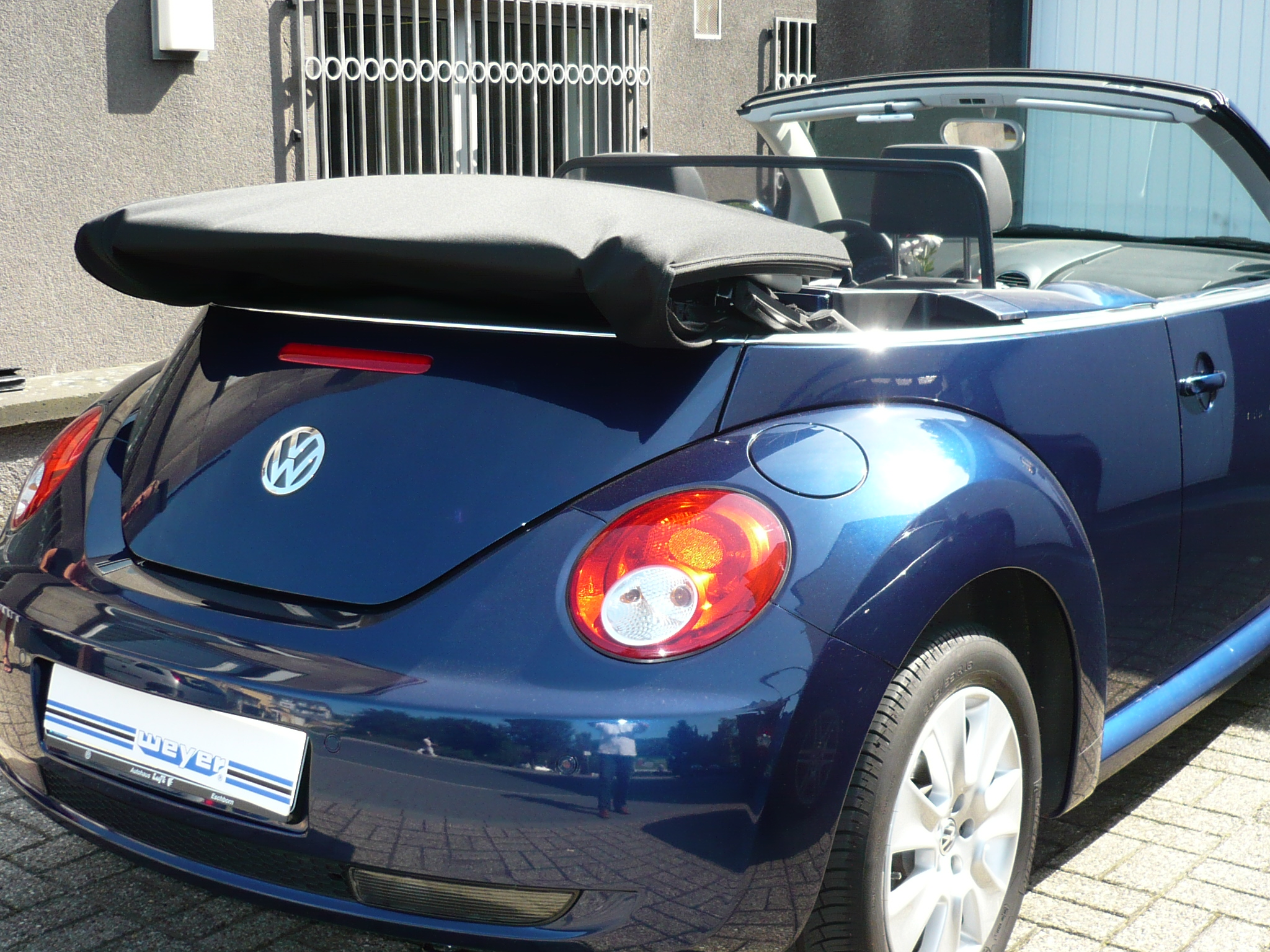 windschott vw beetle cabrio 02. Black Bedroom Furniture Sets. Home Design Ideas